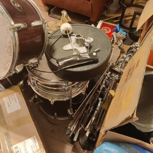 Drum Set W/Lots Of Cymbals for Sale in Nokesville, VA