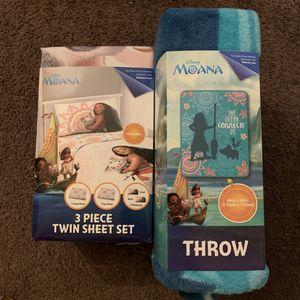 Moana 3PC Twin Sheet Set + Small Plush Throw bundle for Sale in East Compton, CA