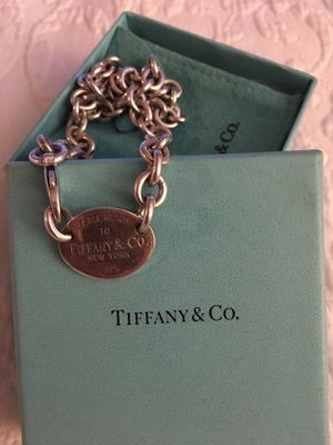Authentic Return to Tiffany & Co Oval Tag Chain Necklace for Sale in Union Park, FL