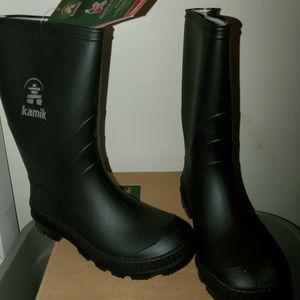 NEW- Black Kamik Stomp Rain 🌧 Boots size 1 youth for Sale in Kent, WA