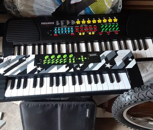 MUSIC KEYBOARDS for Sale in Baldwin, NY