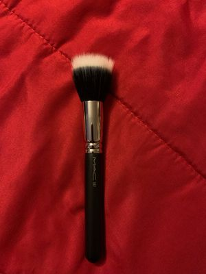 Mac 187 Synthetic Duo Fibre Face Brush for Sale in Anaheim, CA