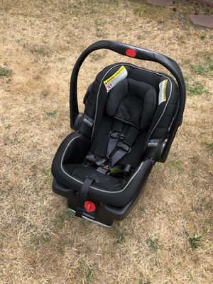 Graco infant car seat with base for Sale in Dublin, CA