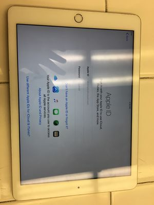 iPad 5th Gen 32gb for Sale in Pittsburgh, PA