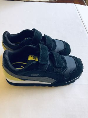 Boy's toddler puma shoes Sz 9 for Sale in Los Angeles, CA