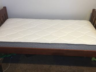 Bed 2x for Sale in Hillsboro,  OR