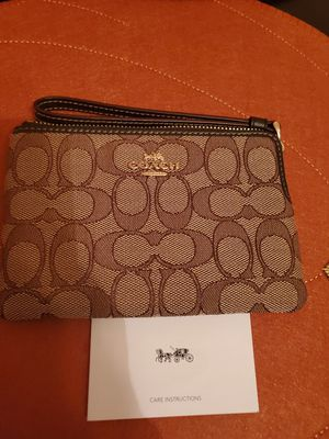 Coach wristlet for Sale in St. Louis, MO