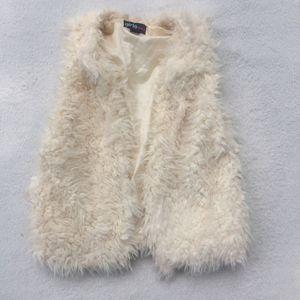 Faux Fur Vest for Sale in Baton Rouge, LA
