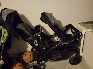 2 n 1 sit and stand double stroller for Sale in Houston, TX