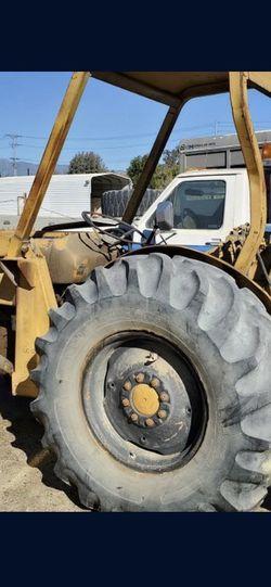 Vendo Este Tractor for Sale in Lancaster,  CA