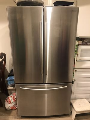 Samsung Refrigerator for Sale in Los Angeles, CA