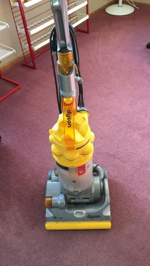 Dyson vaccuum (All floors) Like new. for Sale in Seattle, WA