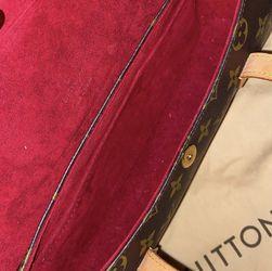 Louis Vuitton Bag for Sale in Boston,  MA