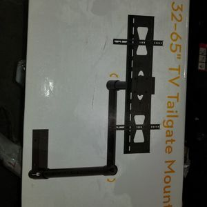 """BRAND NEW IN BOX OMNI MOUNT 32-65"""" TAIL MOUNT for Sale in Cape Coral, FL"""