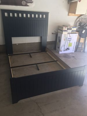 Queen bed frame and Queen mattress and box spring for Sale in Spring Valley, CA