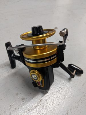 Penn 750 SS Spinning Reel. Excellent Condition. Ready for fishing. for Sale in Miami, FL