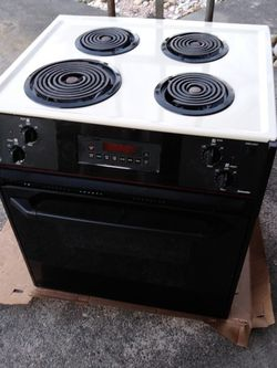 Free GE 1970s Electric Stove (Drop In) for Sale in Chesapeake,  VA