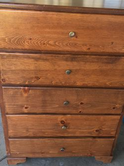 5 Drawer Dresser for Sale in Fresno,  CA