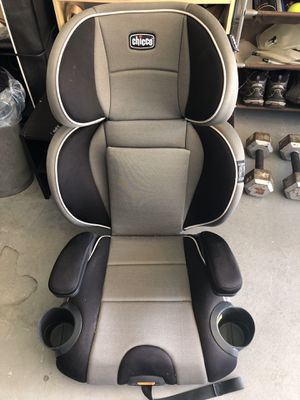 Car seat Chicco 2-in-1 Booster car seat for Sale in San Diego, CA
