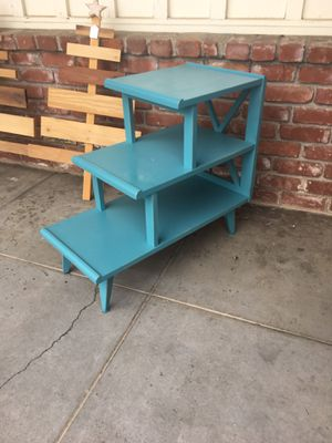 Side table for Sale in Clovis, CA
