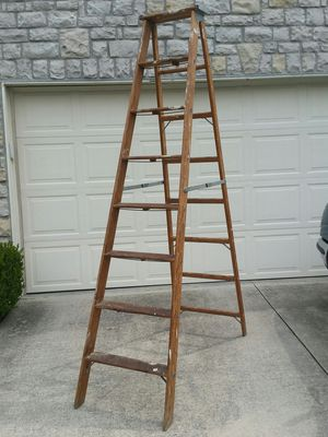 8 foot step ladder for Sale in Columbus, OH