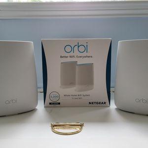 Netgeat Orbi Mesh WiFi Router (RBK50) for Sale in Battle Ground, WA