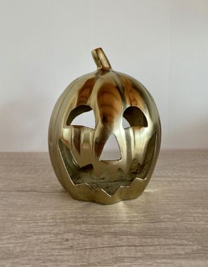 METAL GOLD/BRASS COLOR JACK O LANTERN PUMPKIN VOTIVE CANDLE HOLDER. GORGEOUS HALLOWEEN DECOR! for Sale in Seal Beach, CA