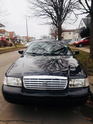 2011 Ford Crown Victoria for Sale in Windsor, ON