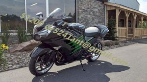 $1200 Bike in great shape and running perfectly 2013 Kawasaki Ninja ZX 14R for Sale in Houston, TX