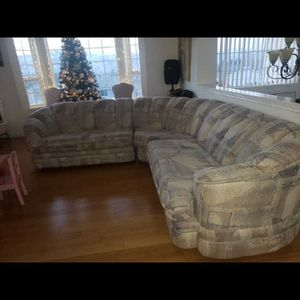 Sectional Couch for Sale in Wenatchee, WA
