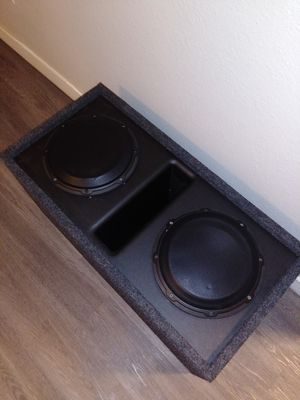 JL Audio 2 subs 10in w3 with ported box for Sale in Federal Way, WA