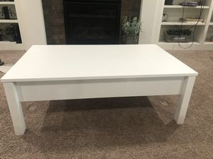 IKEA coffee table for Sale in Oregon City, OR