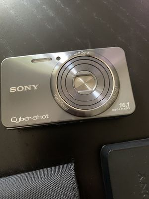 Sony Cyber Shot 16.1 MP Digital Camera for Sale in Weston, FL