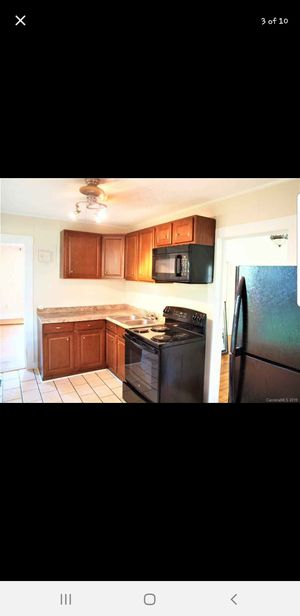 Kitchen cabinets for Sale in Gastonia, NC