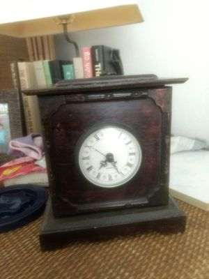 Antique wooden clock(price reduced) for Sale in Tampa, FL