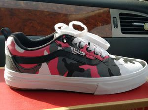 Pink Camo Vans, Size 7 Women's for Sale in Rome, NY