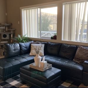 Leather Sectional With Ottoman for Sale in Battle Ground, WA