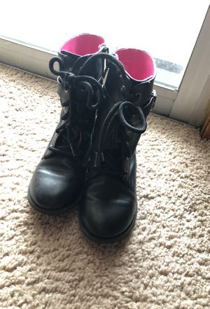Little girls boots size10 for Sale in Buffalo, NY