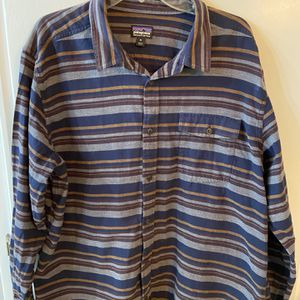 Patagonia long sleeve men's shirt size XL excellent condition for Sale in Bakersfield, CA