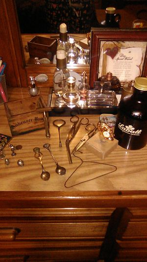ANTIQUES!!!! Very flexible on price for Sale in Galloway, OH