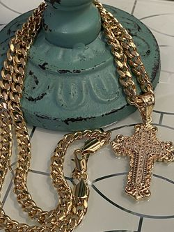 """18k GPL Beautiful Cross Pendant With Chain Necklace 22"""" 6mm for Sale in Nashville,  TN"""