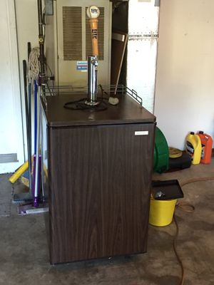 Kenmore Beer Meister ¼, ½, and FULL Keg in One! for Sale in Lancaster, PA