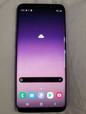 Silver Samsung Galaxy 8 64GB + Unlocked. In Mint Condition With 6 Cases & Charger for Sale in Windermere, FL
