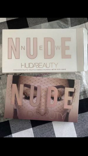 Huda Beauty Nude Eyeshadow Palette for Sale in Moreno Valley, CA