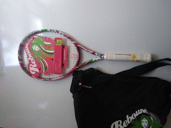 Brand New tennis racket with carry case