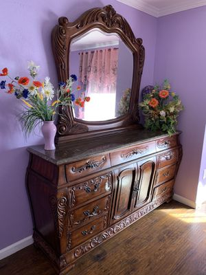 Cal King bedroom set for Sale in Rio Linda, CA