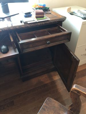 Office desk for Sale in Charlotte, NC