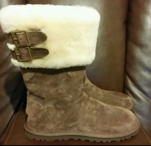 ***NEW*** Authentic Ugg boots for Sale in Pittsburgh, PA