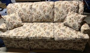 Flower Couch by England Inc. for Sale in Puyallup, WA