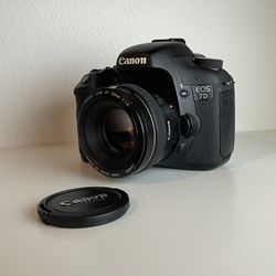 Canon EOS 7D - Canon EF 50mm f/1.4 USM for Sale in Seattle,  WA